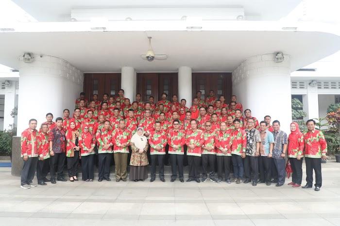 Plt.Nanang Ermanto Kungker Di Auditorium Rasada Balai Kota Bandung Jabar.