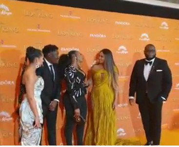 Singer Yemi Alade meet up with Beyonce at 'Lion King' premiere (See photos)