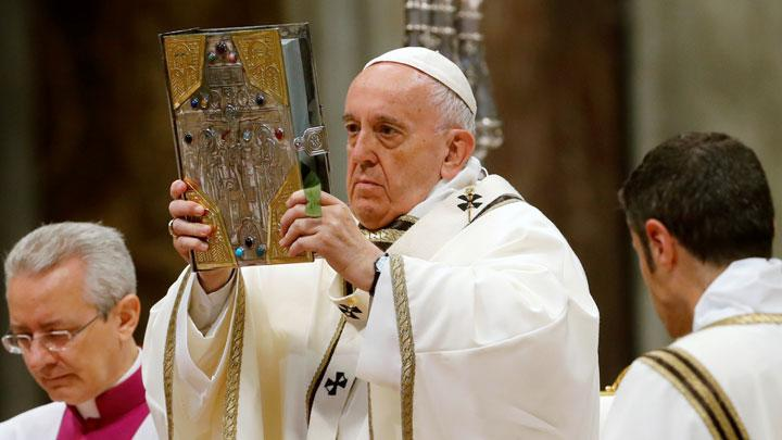 Paus Fransiskus Merayakan 51 Tahun Imamat