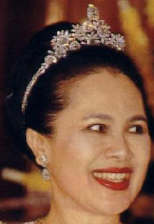 diamond floral tiara queen sirikit thailand