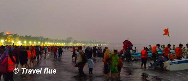 Water sports in Juhu Beach, By travelflue