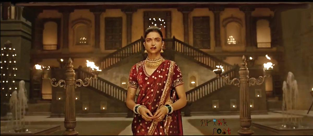 Deepika Padukone entering in Pinga song set of Bajirao Mastani movie