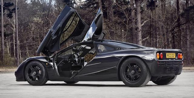 走行距離がわずか4500キロ!貴重な「マクラーレンF1」を当時の新車特典付きで販売!