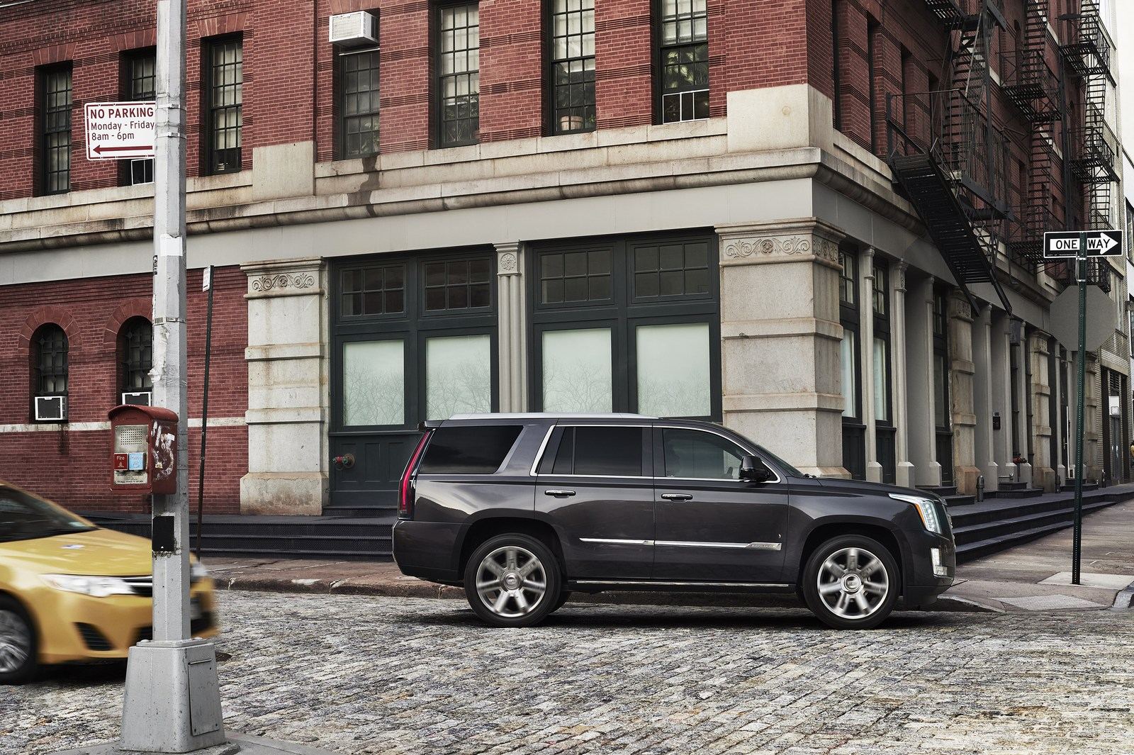 Hybrid Car Lineup Wallpaper 2018 2020 Cadillac Escalade To Have An Independent Rear