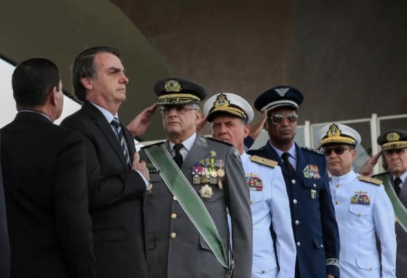 Militares divulgam dura nota contra TSE e suspeitam da Corte