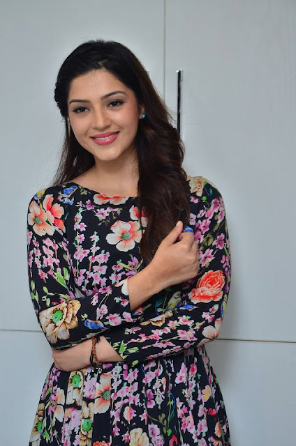 Mehreen Kaur Launches Naturals Salon at Sanath Nagar
