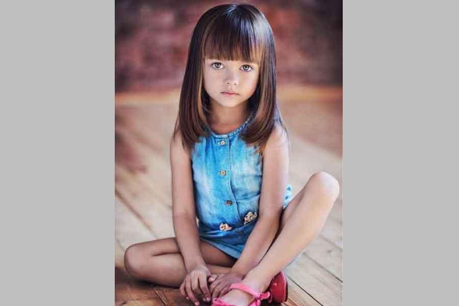 Model Rambut Layer Dengan Poni