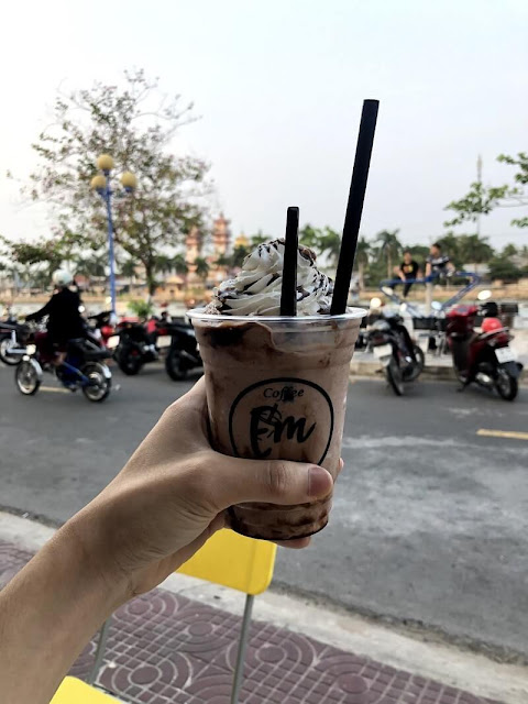 Em's Coffee & Milk Tea