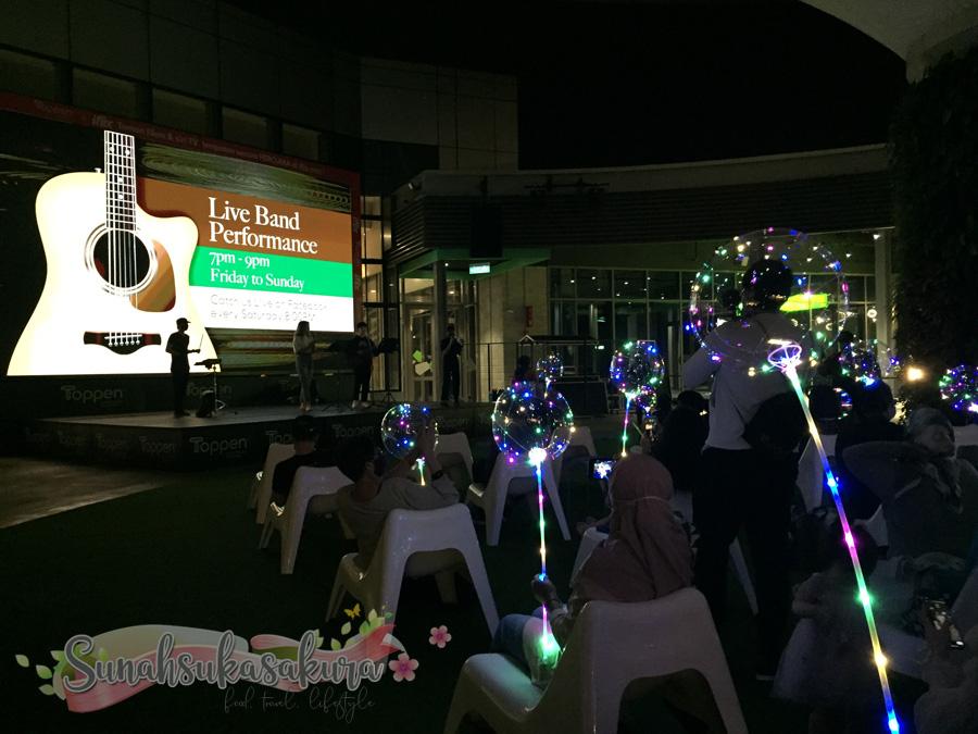 Sambut Earth Hour 2021 di Toppen Shopping Centre, Johor Bahru