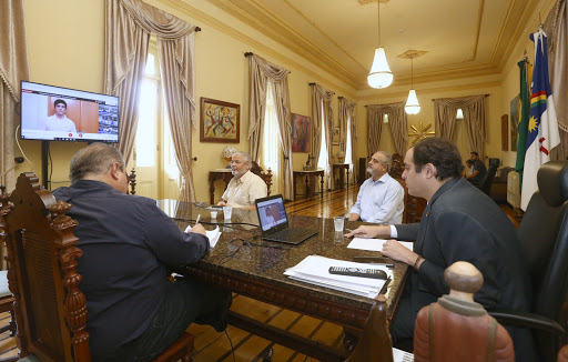 Governador participa por videoconferência da colação de grau para os estudantes de medicina da UPE