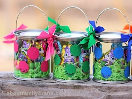 http://aboutfamilycrafts.com/polka-dot-easter-buckets/