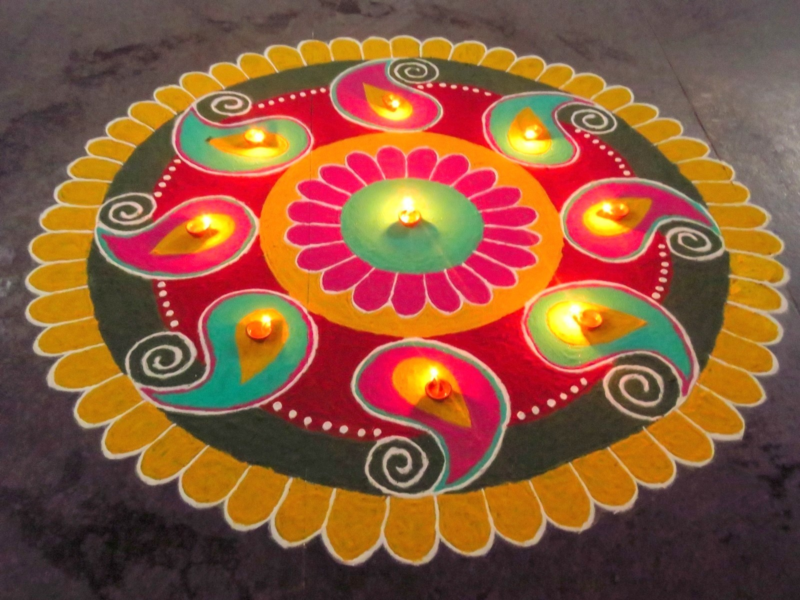 Diwali Rangoli 2020: 12 Simple New Rangoli Design for everyone  Diwali Rangoli Images Designs Diwali Rangoli