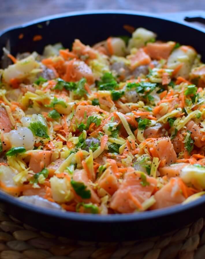 Pastel de pescado con vegetales, puede usar salmón o cualquier pescado de su preferencia