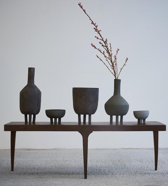 Skålarna, krukorna och vaserna Duck formgivna av Nicolaj Friis Nøddesbo & Tommy Hyldahl för 101 Copenhagen.