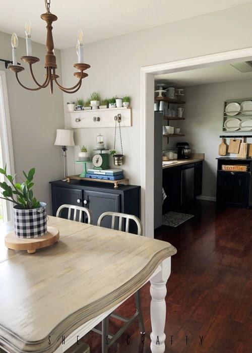 Kitchen update in farmhouse kitchen.