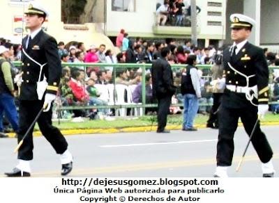Foto del desfile de selecionados de la Escuela Nacional de Marina Mercante ENAMM en Desfile 2012 por Jesus Gómez