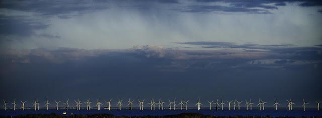 أكبر مزرعة رياح بحرية في العالم ستزويد مليون منزل بالكهرباء.