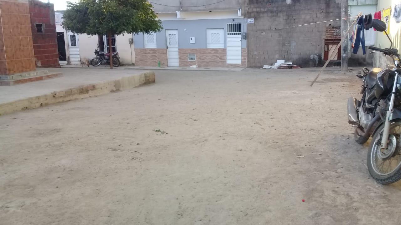 Concluída pavimentação em pedra tosca da Rua Frei Damião