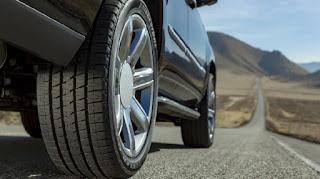 Saat sebelum Berkendara Sebaiknya Cek Tekanan Ban Mobil Anda