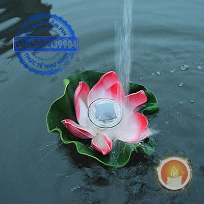 Đèn hoa đăng hình sen thả nước tự sạc từ ánh nắng