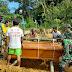 Satgas Pamtas Yonif Mekanis 643/Wns Bantu Proses Pemakaman Warga Perbatasan