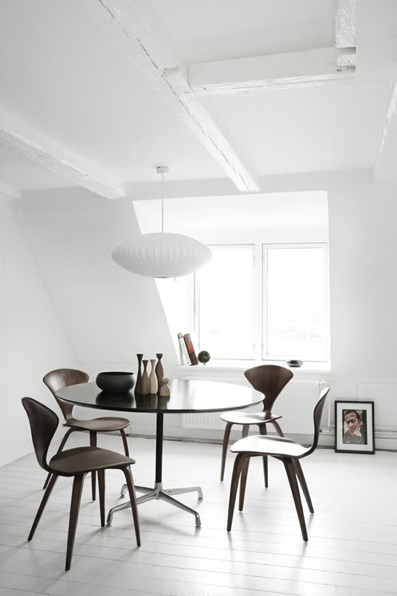 Scandinavian dining rooms to make you crave for a round table | Cherner Side Chair Wood Base by Norman Cherner