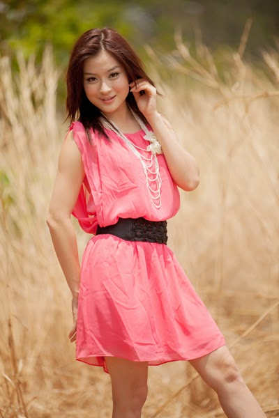 Wut Hmone Shwe Yi - Beautiful Cute Model in Amazing Photoshoot