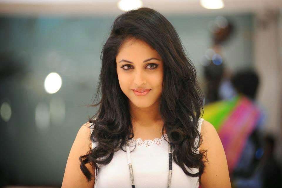 Actress HD Gallery: Raashi Khanna Latest Beautiful HD