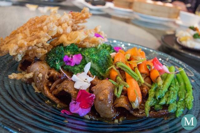 Stir-fried US Kurobuta Pork with Fresh Mushrooms at Summer Palace at Edsa Shangri-La, Manila