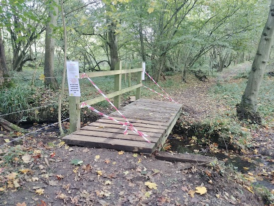 The footbridge along Essendon footpath 16 crossing over Wildhill Brook  Image by North Mymms News released via Creative Commons BY-NC-SA 4.0