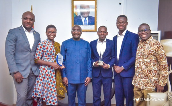 Ghanaian Winners Of Tech Startup Competitions Present Awards To VP Bawumia