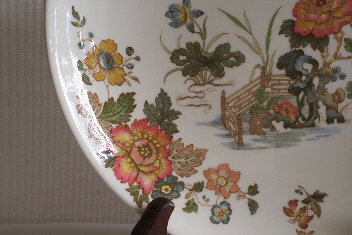 flatten the COVID-19 curve, COVID-19 world pandemic, coronavirus pandemic, how to creatively pass the time during COVID-19 pandemic, Vintage Finds, Vintage Finds on Under The Plum Blossom Tree blog, Vintage Finds Chinoiserie Style, chinoiserie style vintage finds, Wedgwood Eastern Flowers plate, vintage asian girl figurine, vintage standing figurine, magnolia season, spring magnolia, pink magnolia, styling with magnolia flowers, styling with vintage finds, how to style vintage finds, styling with vintage finds and flowers, styling using color white