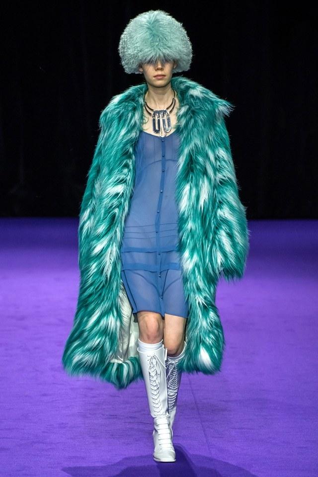 abrigo color turquesa