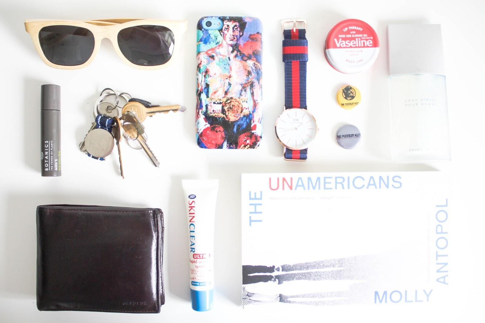 What's in my bag: boyfriend edition