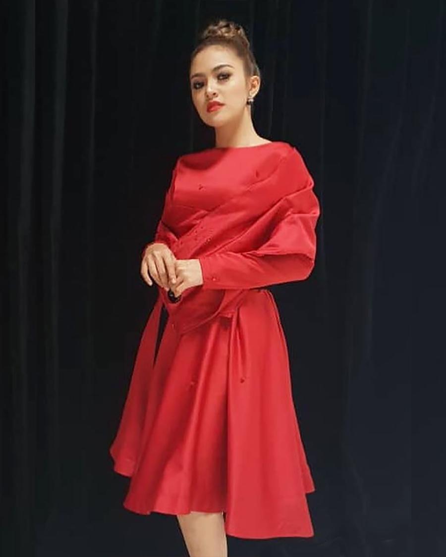 gaun merah red dress Baby Shima atis Smule
