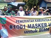 Gandeng Muspida, Bupati Bima Bagi-Bagi Masker ke Masyarakat dan Pengendara