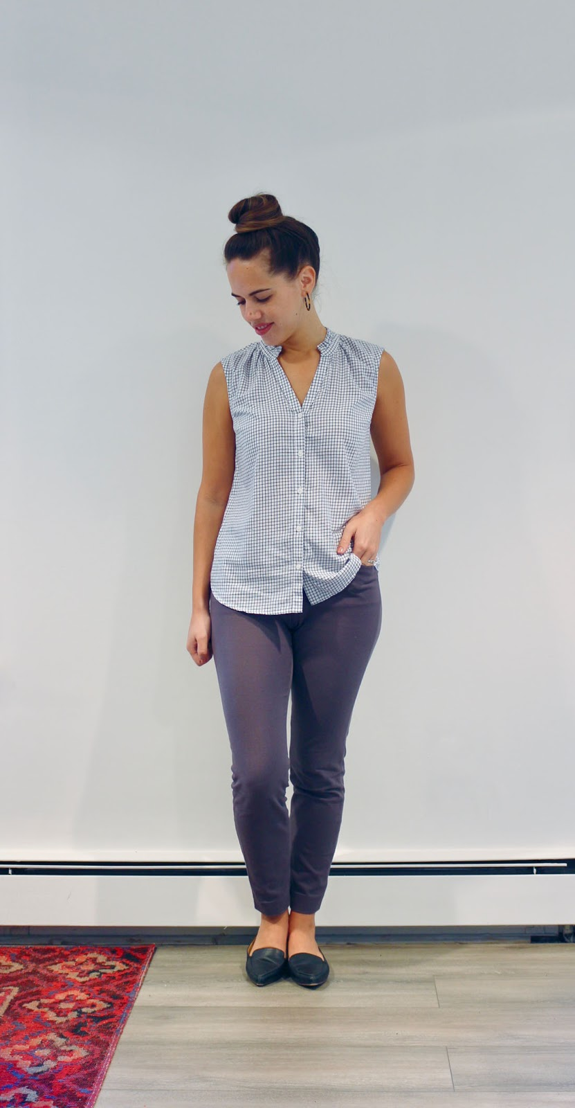 Jules in Flats -  Sleeveless Print Top with Grey Ankle Pants (Business Casual Summer Workwear on a Budget)
