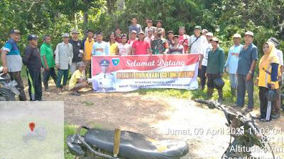 Babinsa Koramil 05/Batang Kapas Bersinergi Laksanakan Gotong Royong
