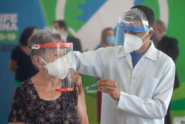 Brasil tem 16,82% da população completamente vacinada contra a covid; em Pernambuco, 15,15% das pessoas concluíram imunização