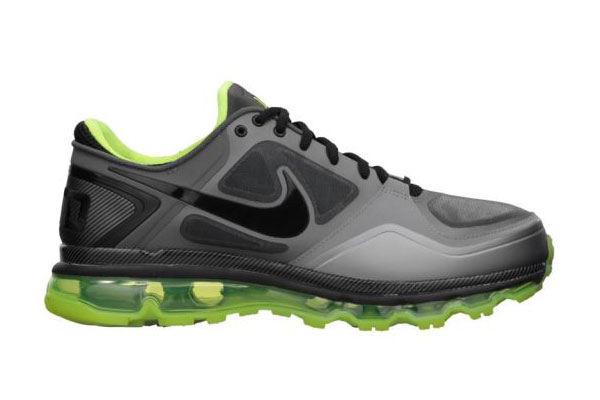 """sports shoes 62818 aa2a8 THE SNEAKER ADDICT  Nike Air Trainer 1.3 Max """"Rivalry Pack"""" Oregon Ducks  Sneaker"""