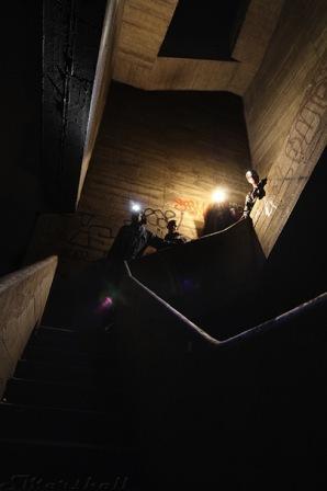 tangga menuju ruangan bunker