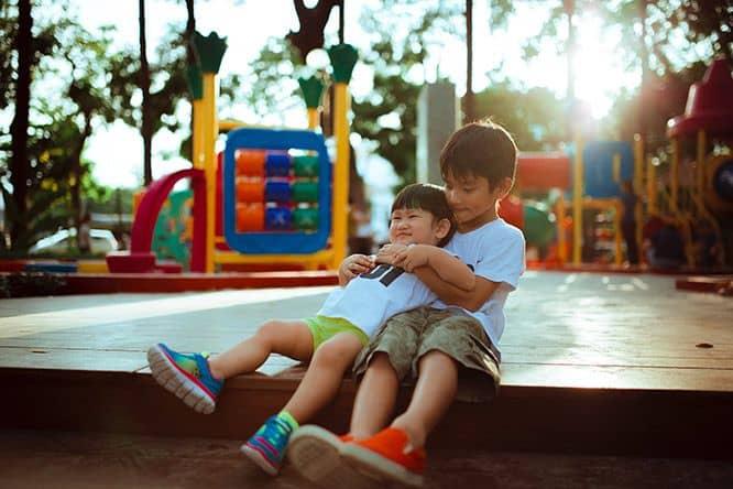 bermain di luar rumah dapat meningkatkan kemampuan sosial anak
