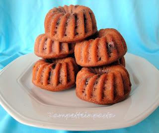 Mini ciambelle con fragole e cioccolato - Ricetta con le fragole