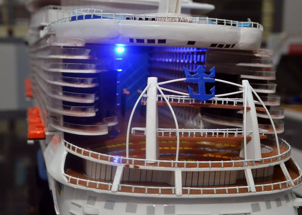 harga miniatur kapal pesiar oasis of the seas royal caribbean international cruises ship murah