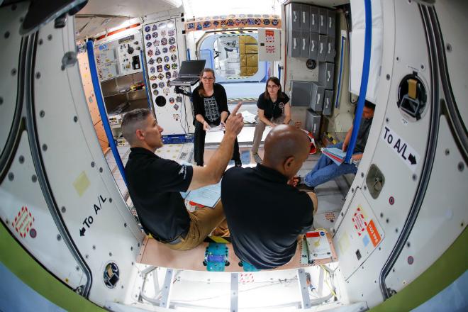 Nasa abrirá Estação Espacial para turismo por R$ 200 milhões