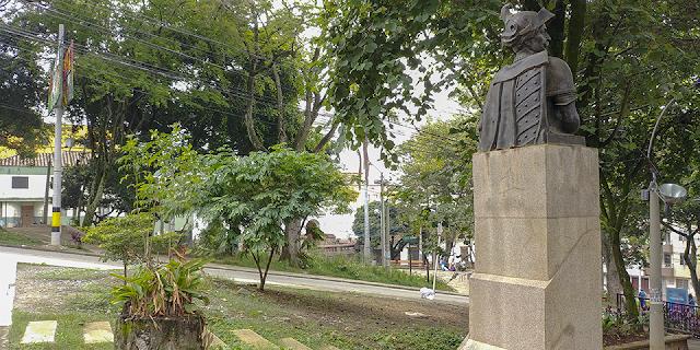 Pavimentan Loma de Robledo