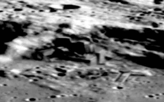 Foto Strutture Aliene sulla Luna.