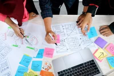 Apa UI dan UX Pengertian dan 3 Perbedaan Dasar Termasuk Skill yang Diperlukan