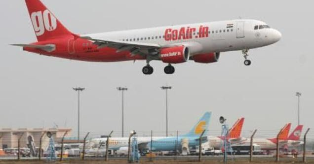 Pune to delhi flight lowest fare