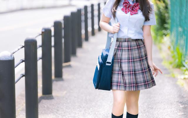 Manga tentang Hubungan Terlarang Pria Berusia 40-an Tahun dengan Gadis SMA Ini Memicu Kontroversi